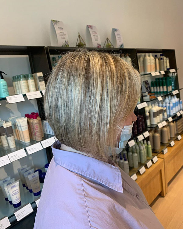 Super Medium Stacked Bob