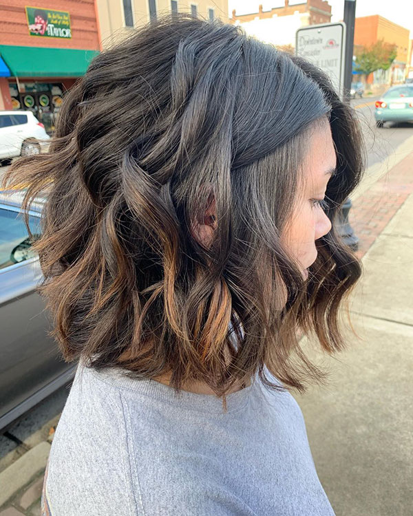 Medium Wavy Bob Images